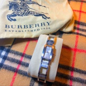 Burberry Watch Women's Metal Check Print